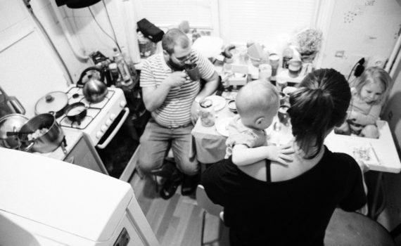 семейная съёмка в ванной с детьми дома фотосессия детей