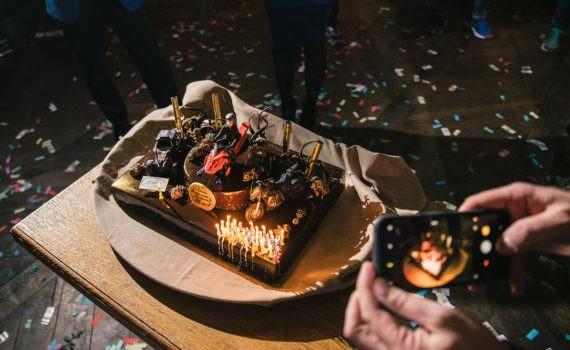 красивый торт на день рождения