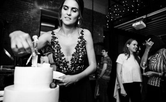 репортаж на мероприятии день рождения торт поздравления