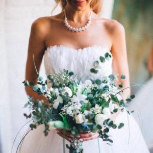 фотосессия невесты с букетом