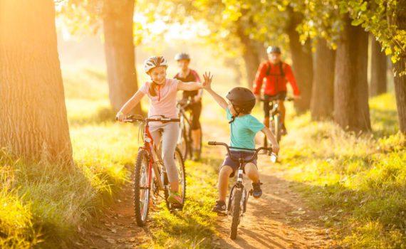 семейная фотосессия на велосипежах