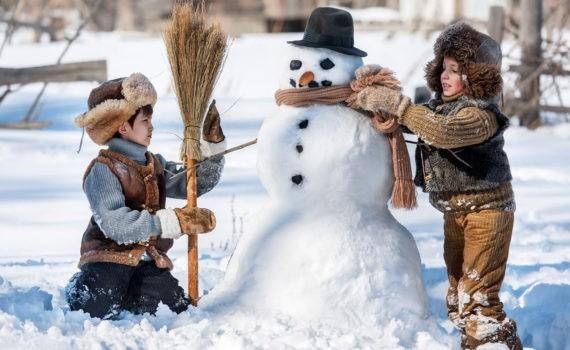 детская фотосессия, зима снеговик