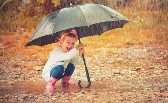 детская фотосессия с зонтом