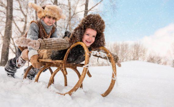 фотосессия зимой на санках
