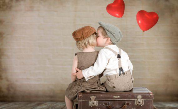 детская фотосессия поцелуй
