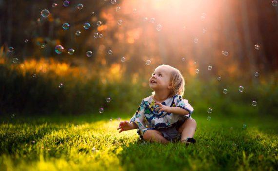 детская фотосессия на природе, пузыри