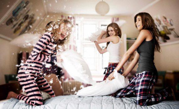 бой на подушках фотосессия