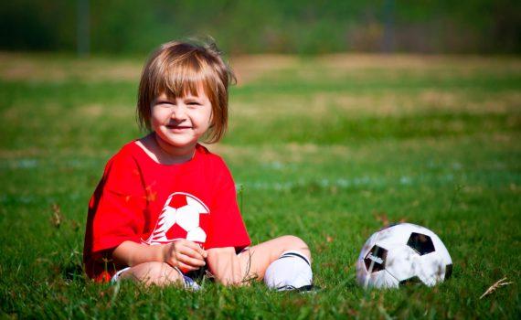 детская фотосессия, с мячом