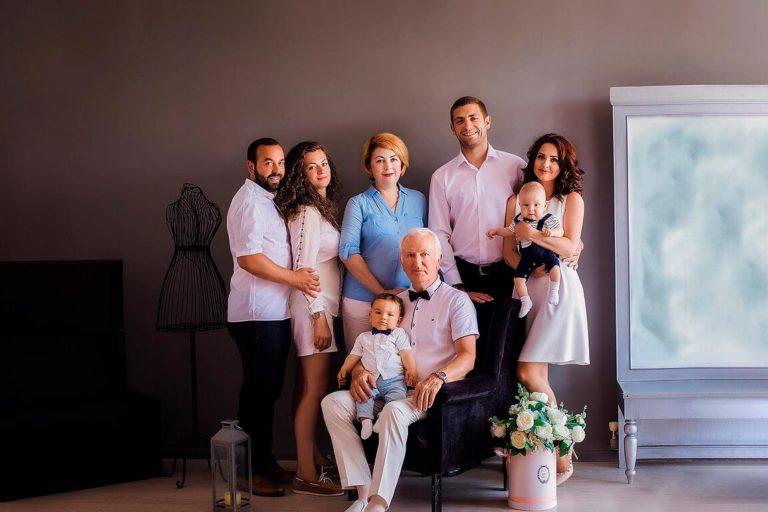 как расположить семью на фотосессии стиле рок