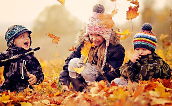 детская фотосессия осенью в листве