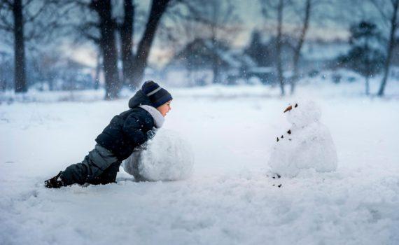 детская фотосессия в снегу