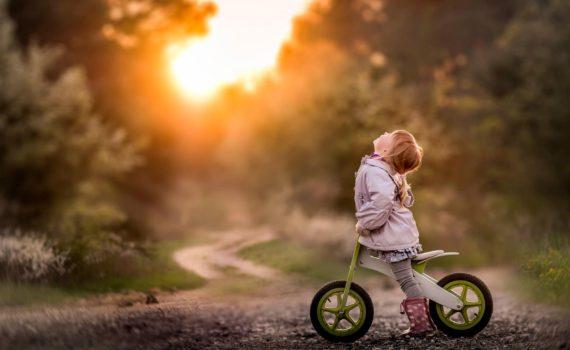 детская фотосессия на велосипеде