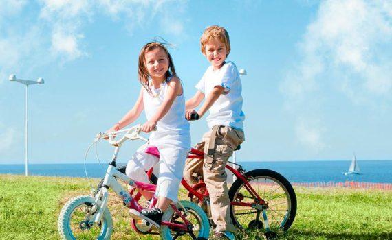детская фотосессия, на велосипедах