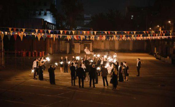 свадьба подбрасывание невесты бенгальские огни ресторан на болотном