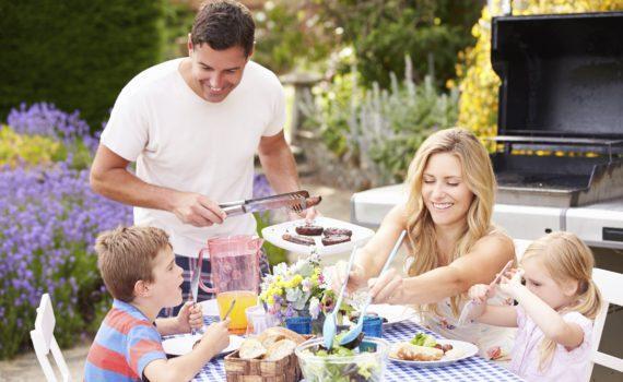 семейная фотосессия с едой