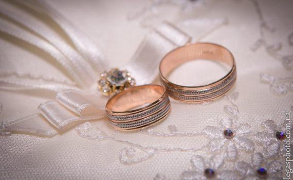 детали свадебной фотосессии летом