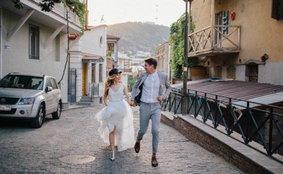 свадебная фотосессия на городских улицах