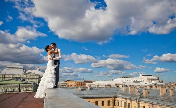свадебная летняя фотосессия на крыше