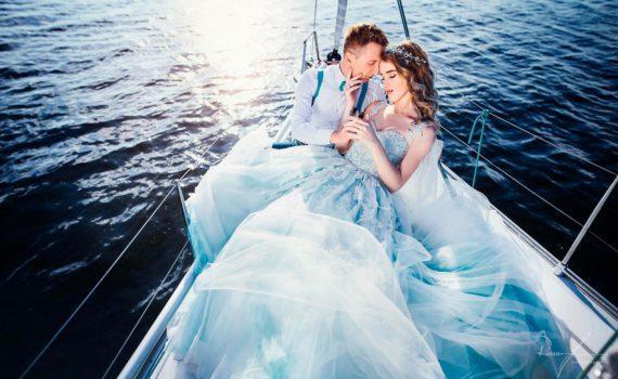 свадебная летняя фотосессия на яхте