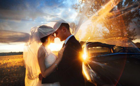 на закате свадебная летняя фотосессия