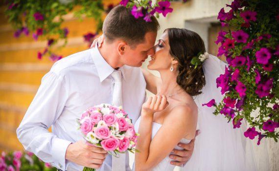 свадебная летняя фотосессия с цветами