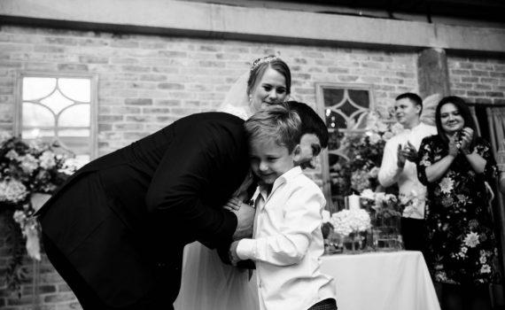 свадьба маленький брат поздравляет брата