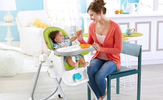 в детском стульчике фотосессия ребенка на год