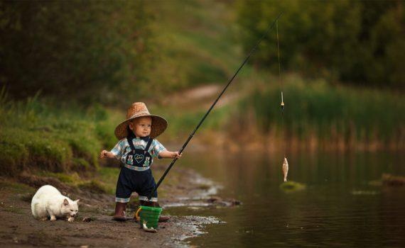 фотосессия на год на природе маленький рыбак