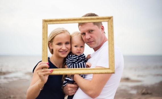 фотосессия на год ребенка в рамке