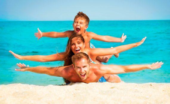 настоящие эмоции семейная фотосессия на море