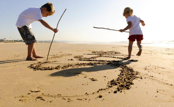 рисунке на песке семейная фотосесси на море