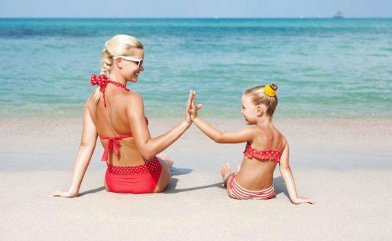 семейная фотосессия на море только с мамой