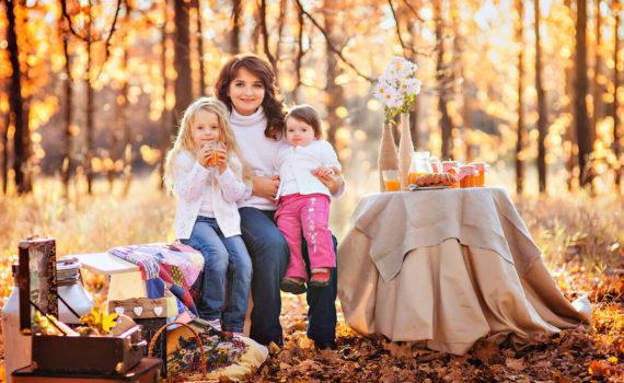 семейная осенняя фотосессия с едой