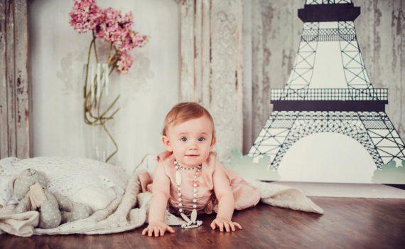 в студии фотосессия ребенка в интересном костюме
