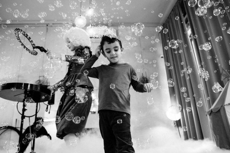 детский день рождения в лофте шоу мыльных пузырей