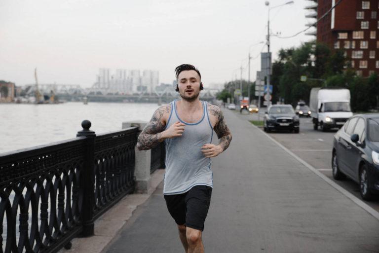 мужская спорт фотоссесия в Москве на улице даниловская мануфактура
