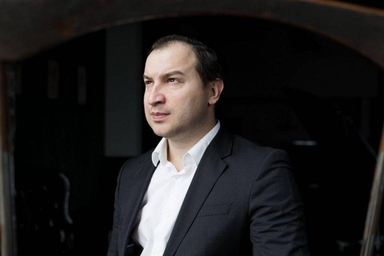 Мужской деловой бизнес портрет в Москве